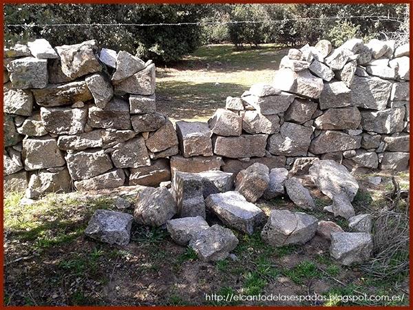 Piedra-Muro-Caído-Valla-Fence-Wall-Stone-Wargames-Warhammer-Escenografia-Scenery-Wargames-05